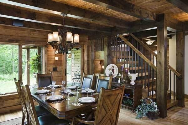 woodsy_log_home_dining