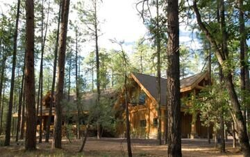 3-log-home-in-woods-508