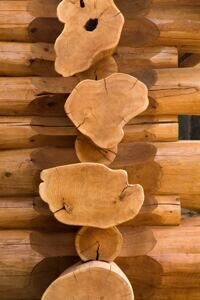 7-flared-end-cedar-logs-508